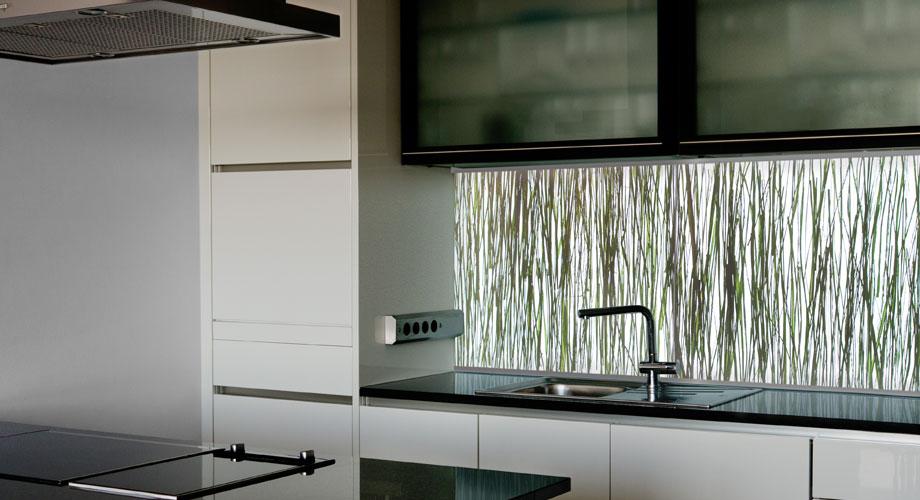 Lima nischenverkleidung designoberfl che licht wand for Nischenverkleidung glas